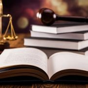 چاپ کتاب در رشته حقوق