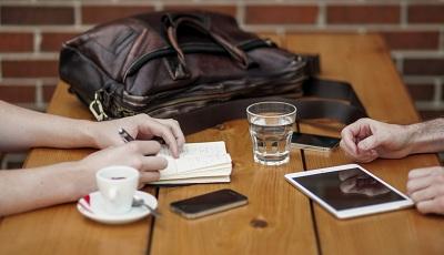 سه دلیلی که نویسندگان کتاب می بایست وب سایت داشته باشند